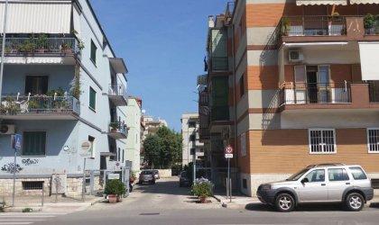 Bari Poggiofranco - Trivani Con Posto Auto E Cantinola