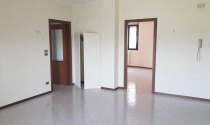 Appartamento Di 120 Mq Con Posto Auto