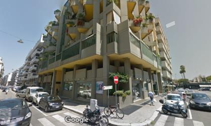 Bari Via Lattanzio - Posto Auto Coperto